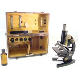 Cased Microscope  (CUR131)